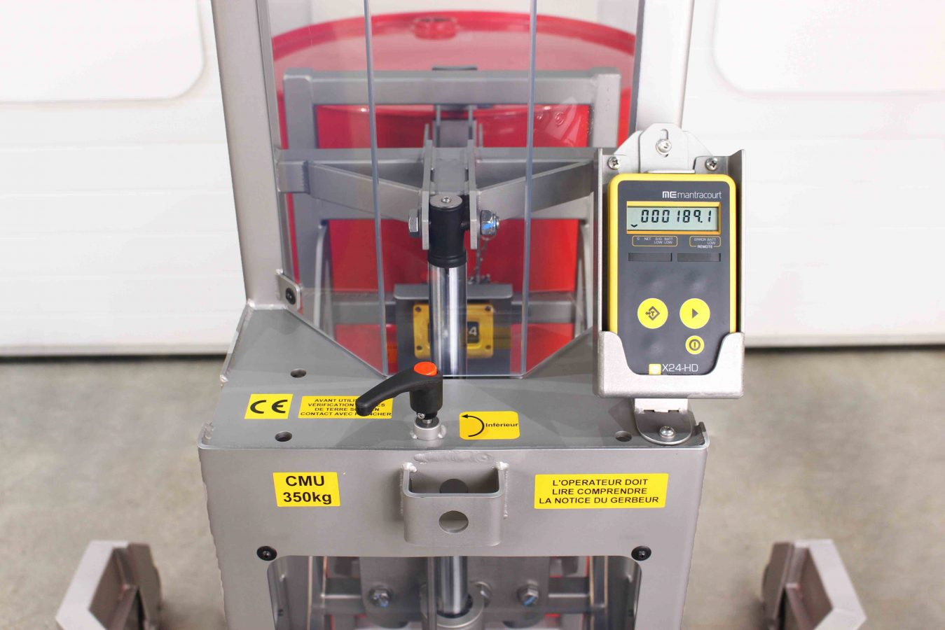 ATEX wireless load cells recording the weigh of a barrel on our drum lifting device