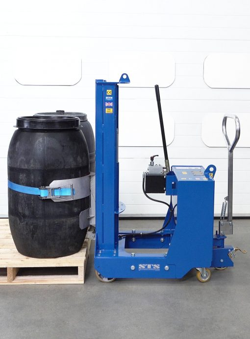 Counterbalance drum mover lifting a screw top barrel from a pallet.