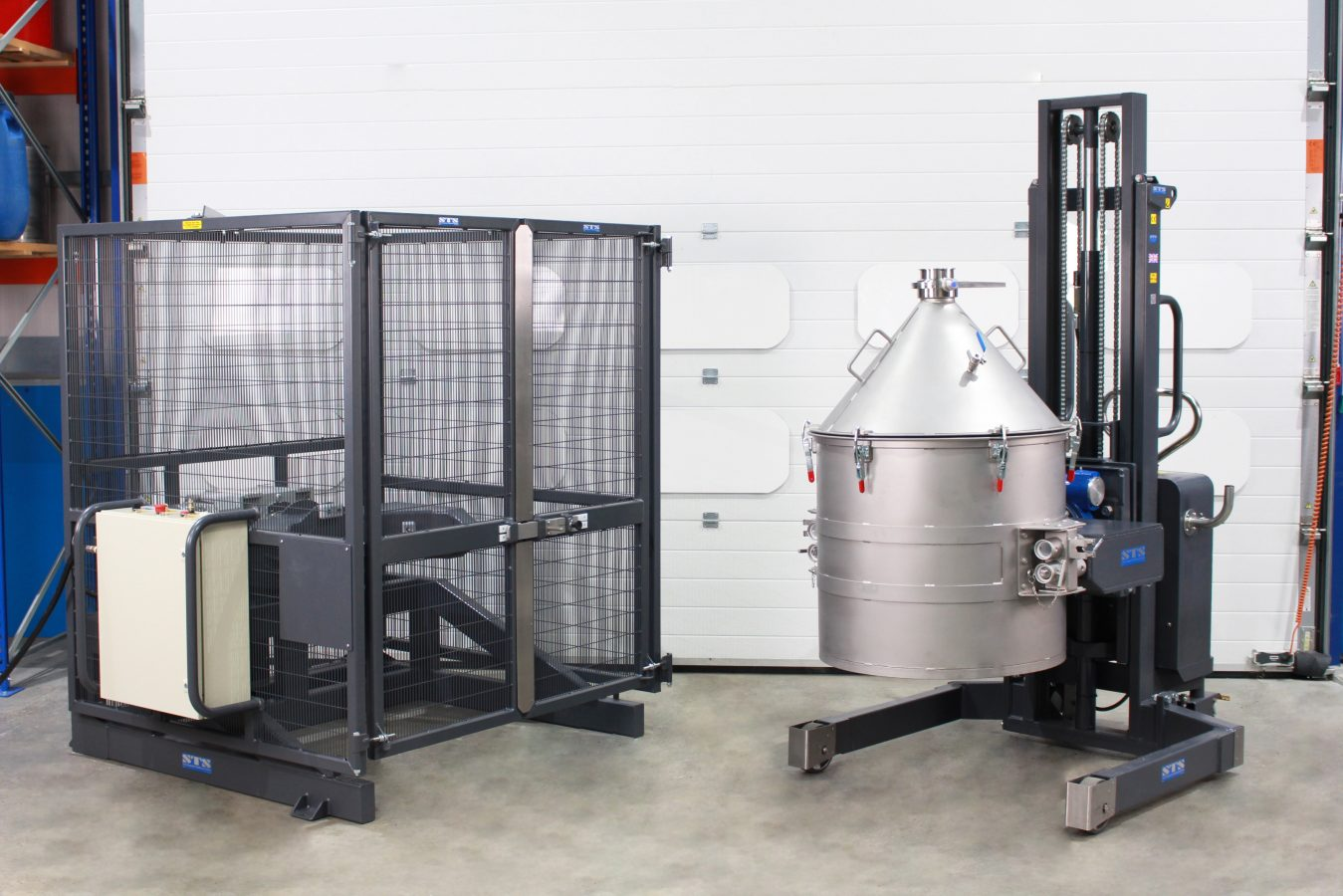 Image of additive powder mixing system and drum inverter