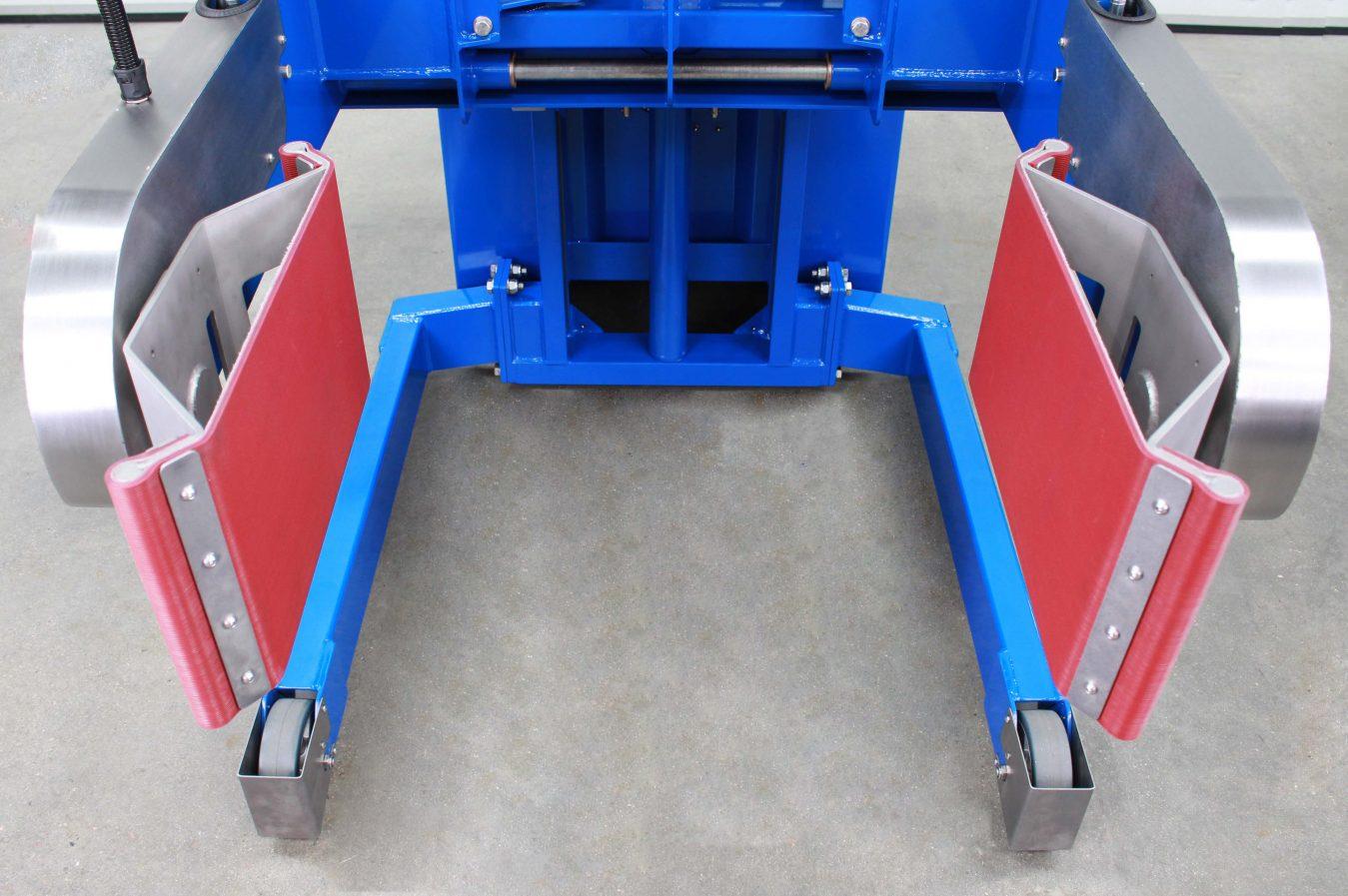 Flexible pads lift 25-220litre drums on our barrel rotators