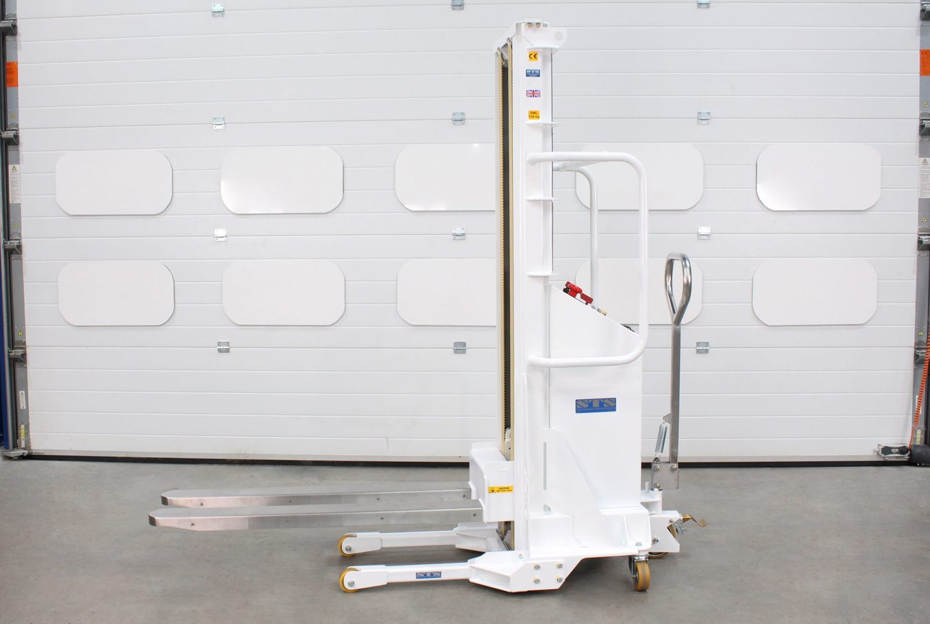 The side view of an electric stacker for manual equipment handling
