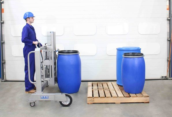 Stainless steel drum lifter for pharmaceutical areas