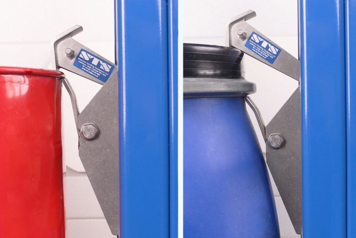 The stainless steel drum catch of the stainless steel side-shift drum lifter can handle drums from 50-210 litre