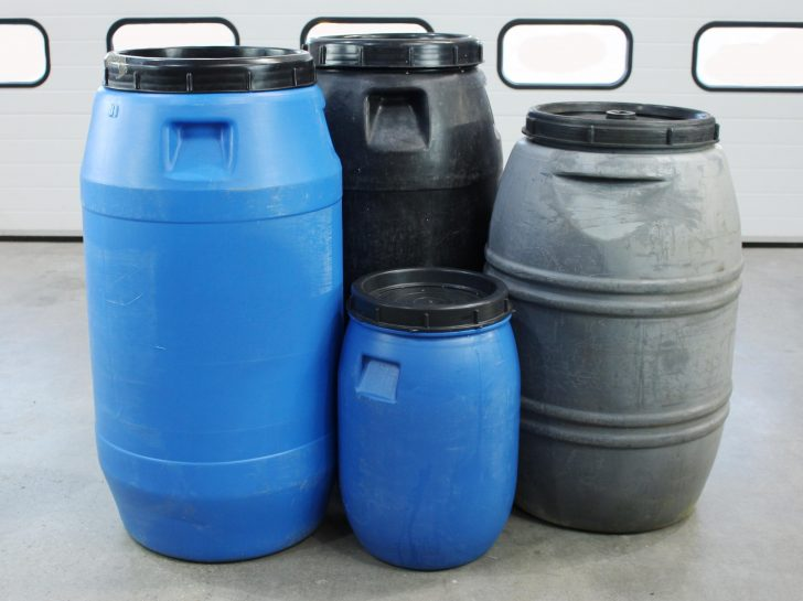 Collection of screw-top drums suitable for use with an STS barrel trolley