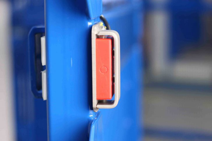 Image of safety gate interlocks on the electric DME01-Ex ATEX drum mixer.