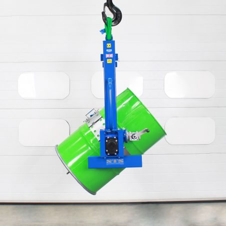 Crane hoist for lifting drums int he decanting position for emptying drums