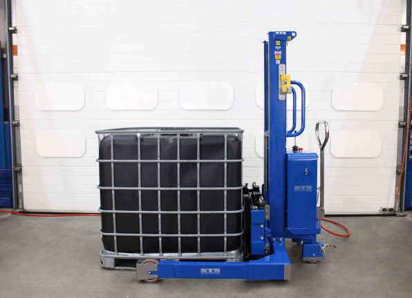 Our Forked stacker truck is fitted with ATEX Wirless Load Cells suitable for weighing and measuring the contents of IBC's & Pallets