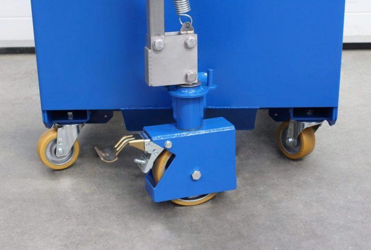 Wheels at the rear of the counterbalance cylinder lifter.
